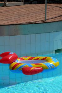 К мечте о собственном бассейне через обязательную сертификацию оборудования