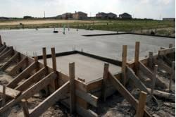 Фундамент коттеджа: бетон или блоки?